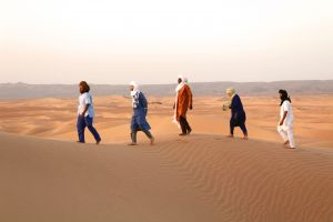 daraa tribes walking in the desert