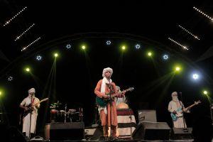 Izouran N-Sahara on stage